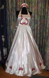 Korondi mintás menyasszonyi ruha