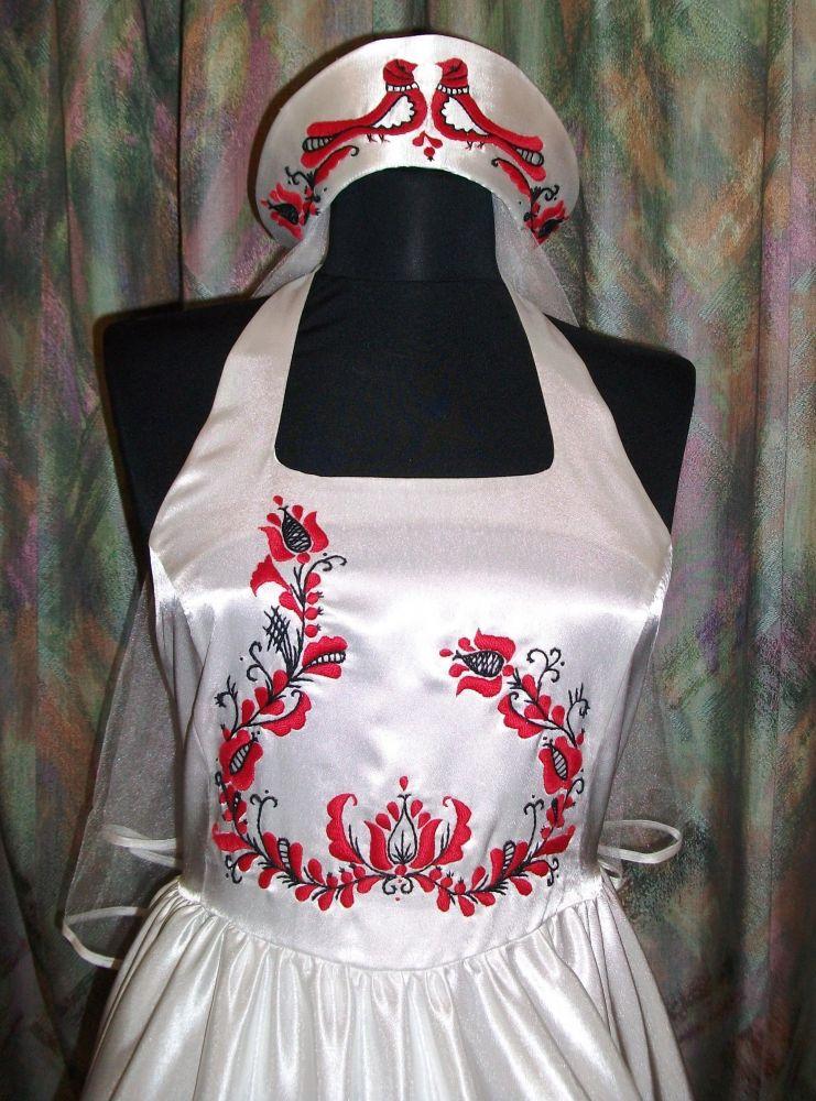 abde750ad2 Korondi mintás menyasszonyi ruha - Korondi kerámiák és népművészet ...