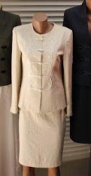Bocskai zsinorozású női kosztüm álló galléros