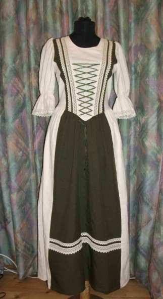 Rusztikus ruha zöld szinben - Korondi kerámiák és népművészet webáruháza 54207ee7ee