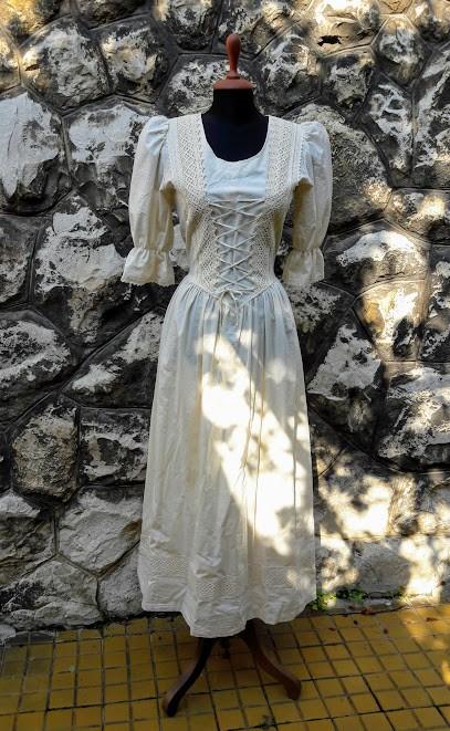 21dc967e2e Rusztikus ruha nyers színben - Korondi kerámiák és népművészet ...