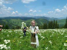 kislány rusztikus ruha - Korondi kerámiák és népművészet webáruháza 9314d64715