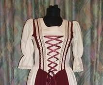 Rusztikus ruha bordó szinben - Korondi kerámiák és népművészet ... b73751e325